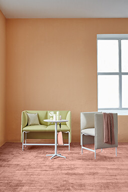 MATERIA Alto easy chair, sofa + Uni table interior 2