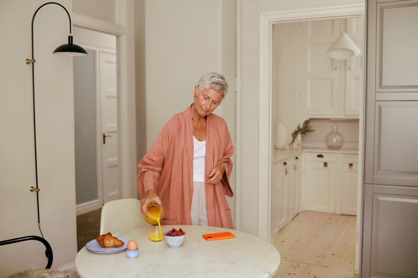 UseCaseImagery2021 Europe Grandma Kitchen